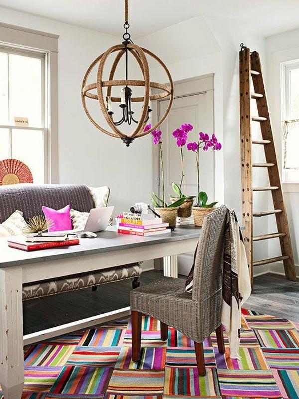 tapis multicolore, office de travail à la maison