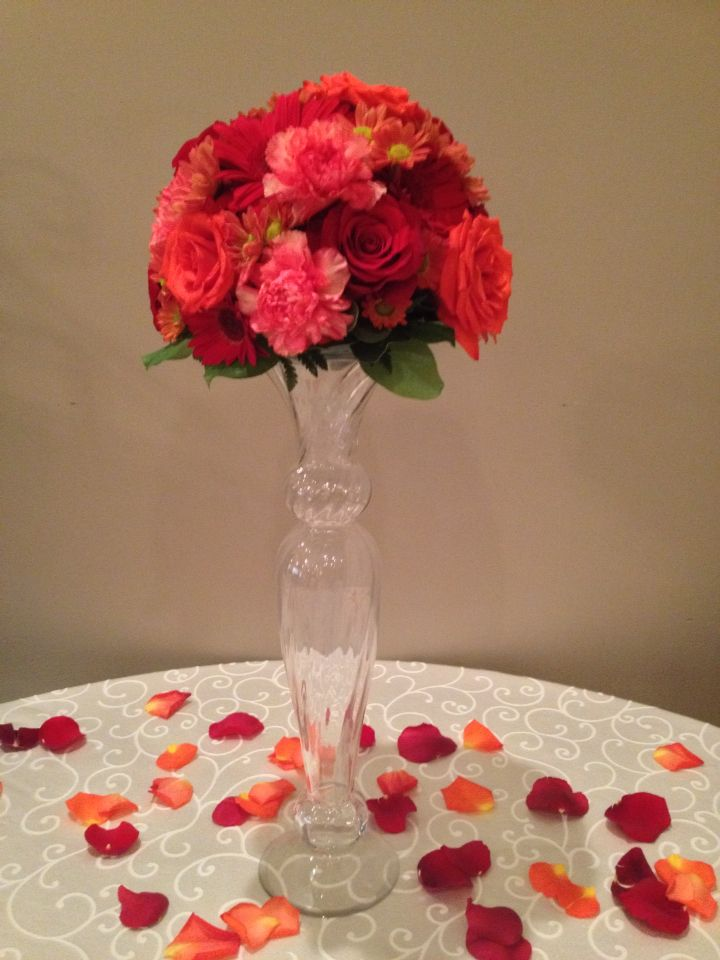 Stunning guest book table arrangement in fall colours.