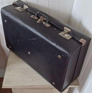 1000 images about valises antiques on pinterest vintage suitcases the cottage and vintage. Black Bedroom Furniture Sets. Home Design Ideas