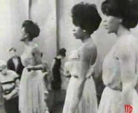 """17/09/1964 El grupo """"The Supremes"""" lanza su mayor éxito """"Baby love"""" #CoffeeMusic #hoy como siempre vía: @No_Redes"""