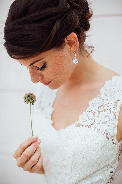 Stilvolle Ohrringe für die Braut.  Gefunden bei ETsy.