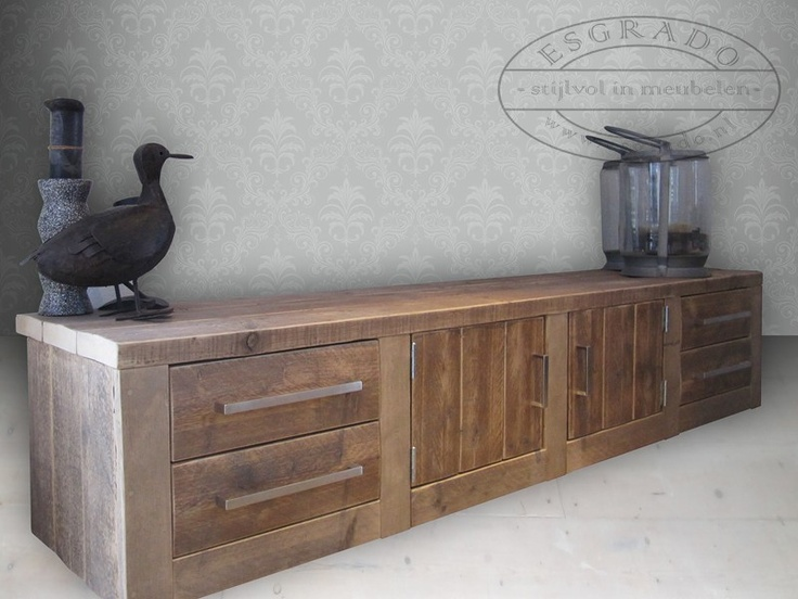 stoer tv-meubel steigerhout. Dit robuuste steigerhouten tv-meubel is voorzien van dik balkenhout bovenblad en 4 stevige soft-closing laden. steigerhout tv-meubels op maat