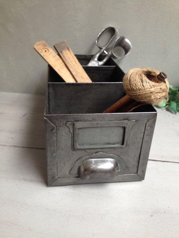 oltre 25 fantastiche idee su casier industriel su pinterest casier vestiaire casier. Black Bedroom Furniture Sets. Home Design Ideas