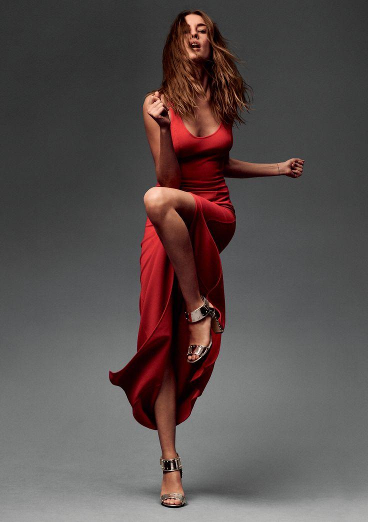 позы для фотографии в платье варианта
