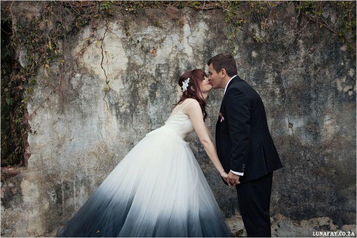 Red, Navy, White Wedding. Red Colour palette, Modern Wedding, Ombre Wedding Dress,  www.lunafay.co.za