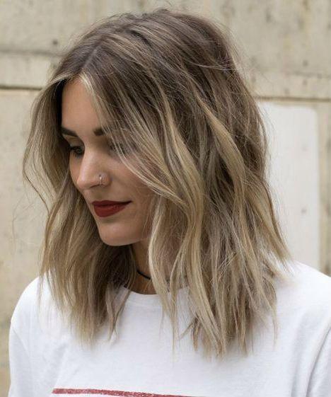 23 de la moyenne romantique et sensationnelle Lob Shaggy Hairstyles 2019 pour les