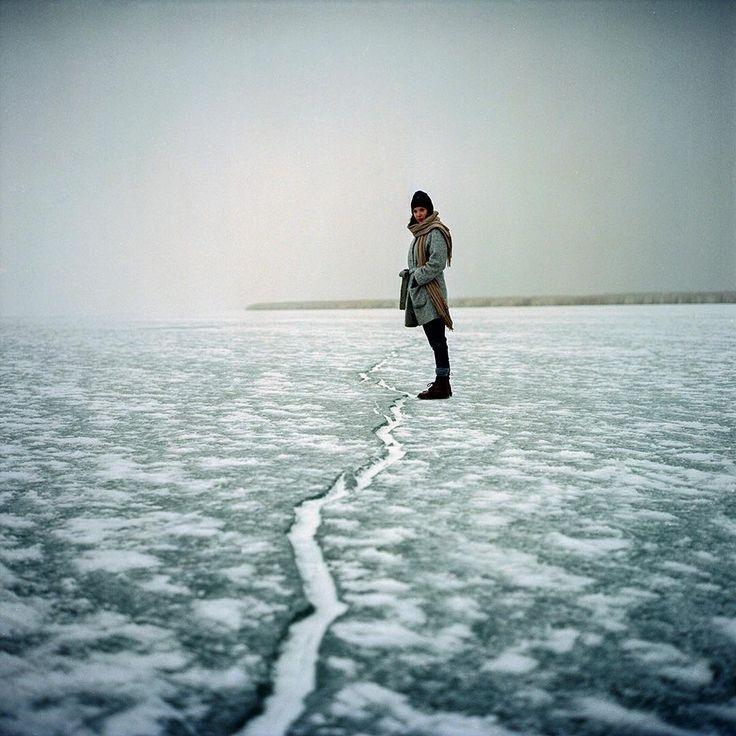 severinkoller_official Freezing shoot with singer #liapale #winterreise #schubert #rolleiflex28f #severinkoller #portra #kodak #film #analog