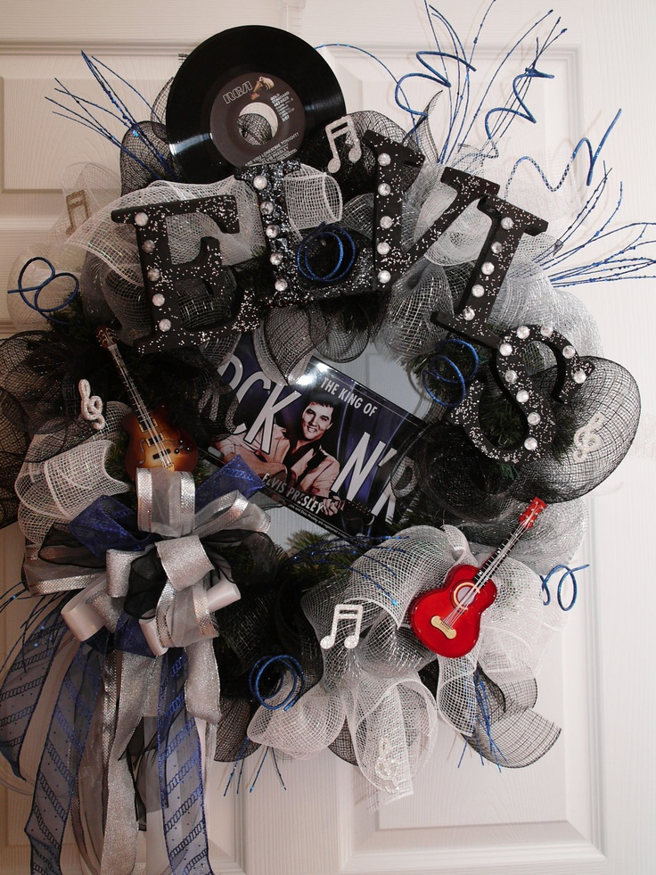 Elvis rock n roll wreath...so want to make this for my mom!