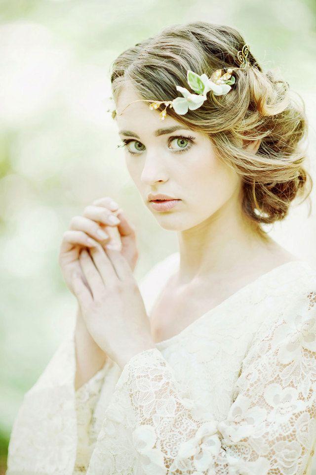 #bruid #nude #bruidsmakeup #make #up #look #inspiratie #bride #inspiration | Photography: RuudC Fotografie | ThePerfectWedding.nl
