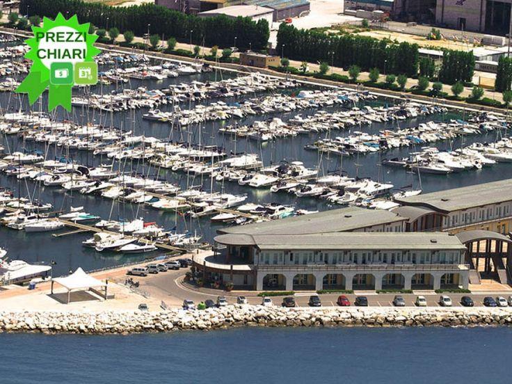 Marina Dorica è uno dei #porti turistici più grandi e moderni d'Italia, #BandieraBlu dal 2011 per la qualità del servizio e la bellezza della #costa circostante. Posizionato all'interno di #Ancona il porto turistico è facilmente raggiungibile con qualsiasi mezzo; l'aeroporto internazionale di Ancona #Falconara dista solo 15 km dalla città.
