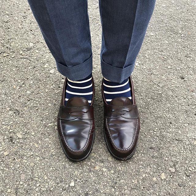 2017/07/13 11:04:42 y_aks 今日は久々の晴れマーク☀️だったので、コードバン履きました履きたい靴を履けるって幸せだなぁと感じます噂では鹿児島も梅雨明けらしいので、これからは気兼ねなく履けますね。 * #alden#aldenarmy#オールデン#alden986#ローファー#ペニーローファー#pennyloafer#loafer#cordvan#コードバン#靴磨き#shoeshinem#shoeporn#shoestagram#足元くら部#足元倶楽部#sotd#kotd