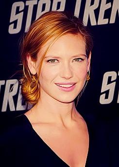 Love the hair Anna Torv.