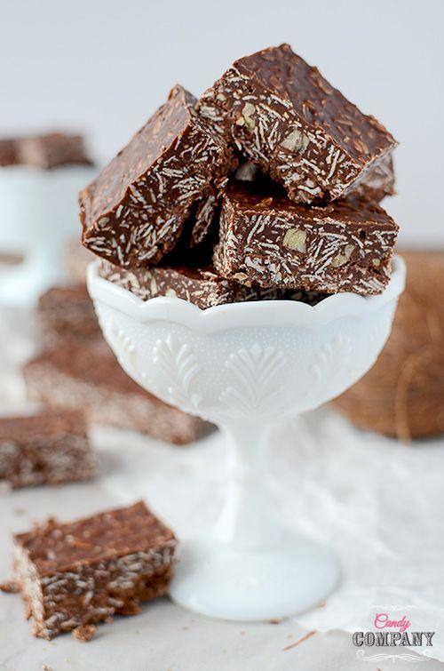 Batoniki owsiane bez pieczenia z kokosem, masłem orzechowym i czekoladą