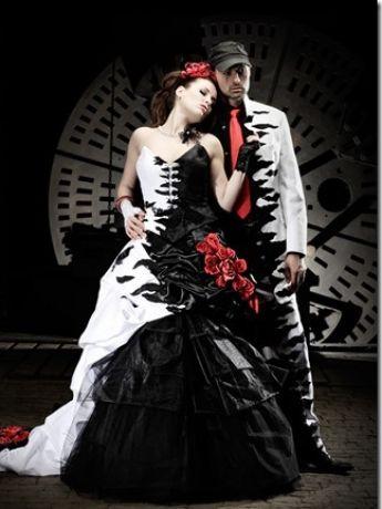 """Schwarz weißes Brautkleid von Lucardis Feist: """"Light and Shadow"""" #schwarzeBrautkleider #brautkleider #besondereBrautkleider"""