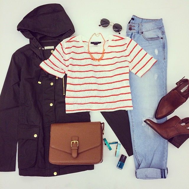 Cropped (?) stripped shirt, lightwash boyfriend jeans, boots, bag and cute coat