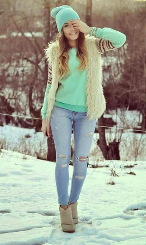 You should wear a blue and long sleeved blouse, jeans, hat and white vest