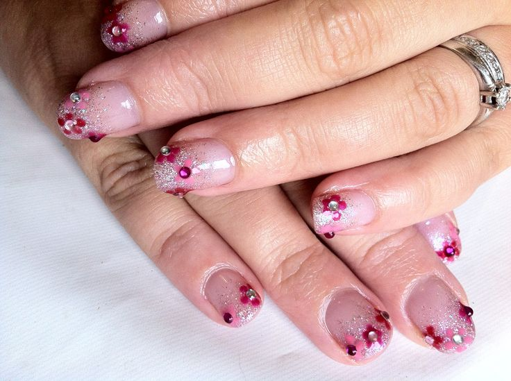 shellac nails | Brush up and Polish up!: CND Shellac Nail Art - Beau Glitter Fade ...