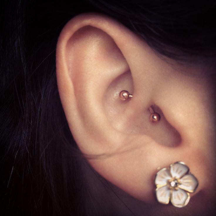 Love this rose gold barbell. I think I want to change mine back to a barbell now that it's healed