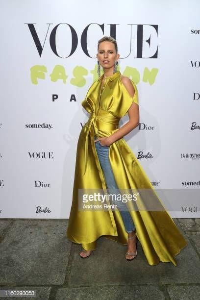 Berlin, Almanya – 05 Temmuz: Karolina Kurkova 05 Temmuz 2019 Vogue partisinde …