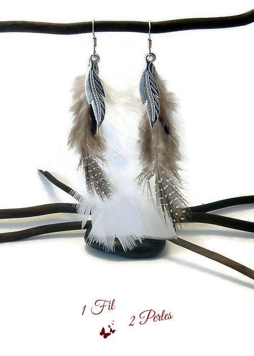 Boucles d'Oreilles Plumes Blanche et Pintade Breloque Plume Argent : Boucles d'oreille par 1-fil-2-perles
