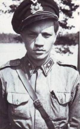 "Kalevi ""Kale"" Tervo (1919-1943), 21 victories + 5 shared ones, in 150 sorties. Top scoring Curtiss Hawk pilot."