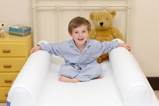 With Dream Tubes no one's falling out! Make a smooth transition from cot to big bed with this inventive alternative to traditional bed rails.