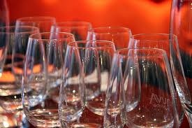 How to organize a Wine Club - http://blogs.vancouversun.com/2011/12/20/starting-a-wine-club-at-home/