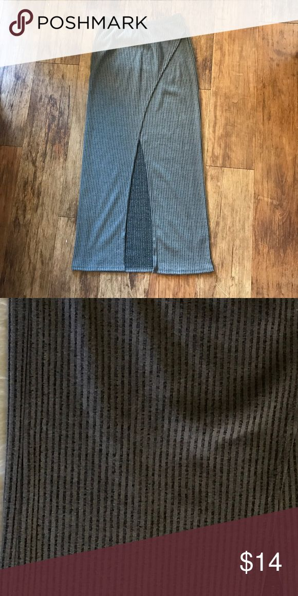 Maxi skirt with slit Gray maxi skirt with slit in the front. Never worn. Size large Skirts Maxi