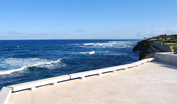 I'd like a view like this - love the emptiness & quiet of it...Nothing but the sound of the ocean...