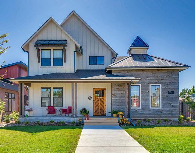 Custom Home Remodeling Architects In Denver Godden Farmhouse Exterior Exterior Design Ranch Style Homes