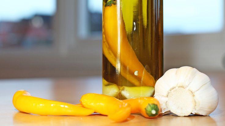 Chili- og hvitløkolje