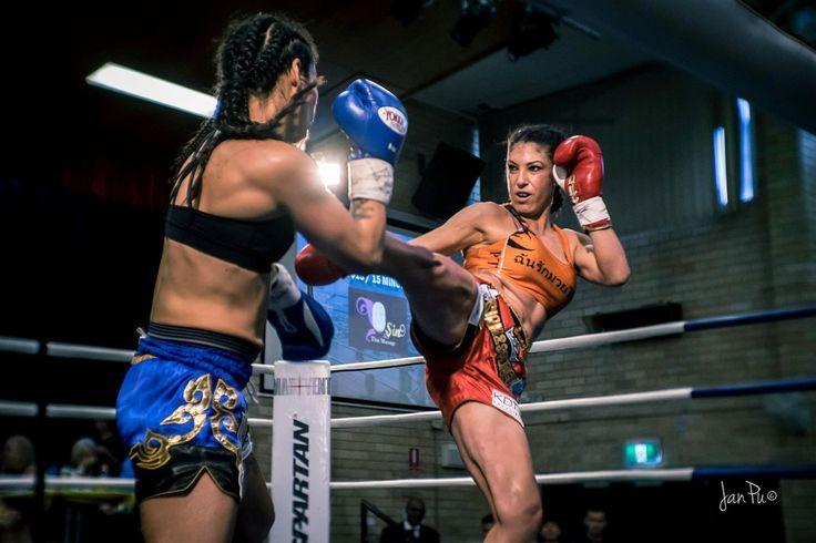 Yolanda Schmidt defeats Pia Slagado at Siam 2 Sydney fight night on Saturday, September 17, 2016 in Ryde, NSW.