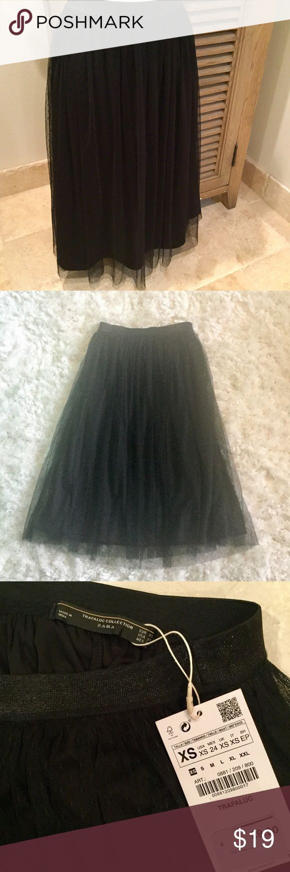 Zara Black Tulle Skirt Brand new with tags, its a midi 2 layer skirt, has elastic waist, super chick and comfy at the same time! Zara Skirts Midi