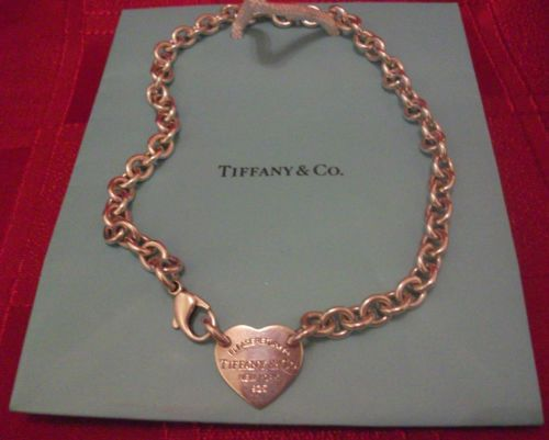 Tiffany Heart Choker Necklace ,RETURN TO TIFFANY COLLECTION. MAKE ME A OFFER