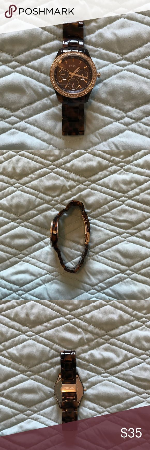 NWOT TORTOISE SHELL FOSSIL WATCH NWOT tortoise shell Fossil watch. Battery works. Goes with everything! Accessories Watches