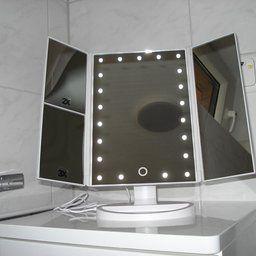 die besten 17 ideen zu schminkspiegel mit beleuchtung auf pinterest hocker f r schminktisch. Black Bedroom Furniture Sets. Home Design Ideas