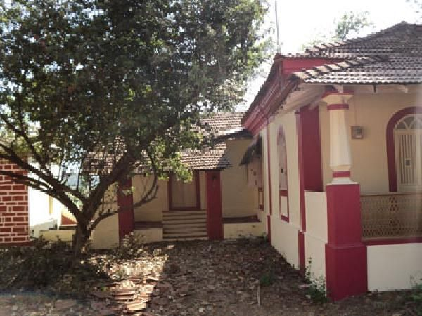 Goan House for Sale at Moira  ...2 bedrooms, living, kitchen, bath & toilet, verandah, well, store room, open car park, back side field view, touching main road, residential area. .For more info contact: mailto:allpropert... #goa #india #villa #property #homes