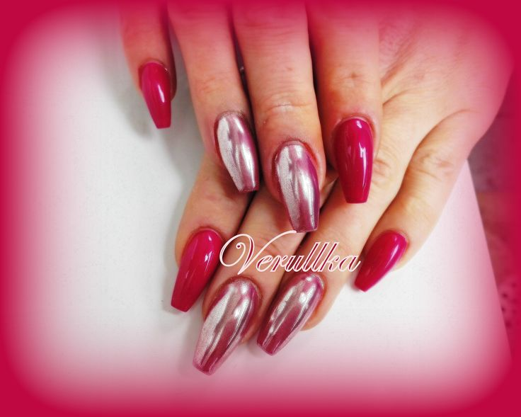 Raspberry gel nails with mirror pigments