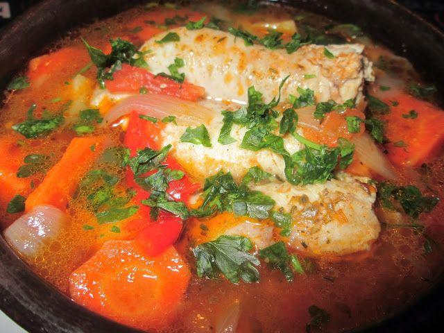Cocina Chilena e Internacional: CALDILLO DE PESCADO - MERLUZA (para 3 personas)