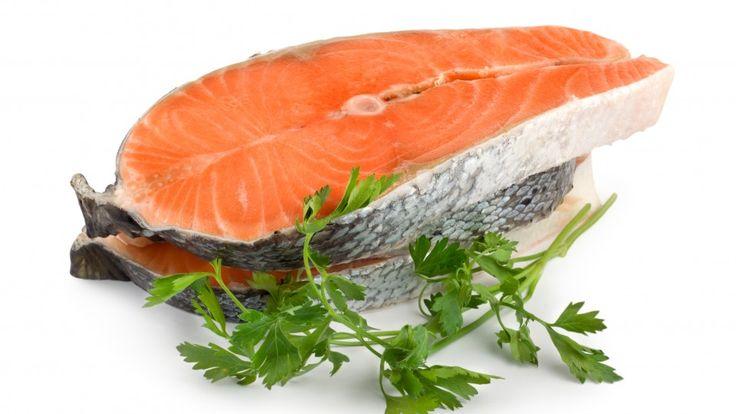 Fødevarestyrelsen efter advarsler: Spis roligt opdrættet laks | Livsstil