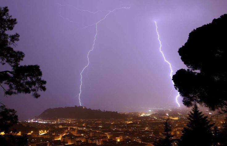 Nice, France -        Lightning hits Baie des Anges region on Nov. 30, 2014. - © AFP/Getty Images