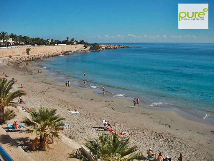 "Located opposite the complex is the beach of Rocio del Mar, which had been awarded with blue flag and ""Q"" for tourist quality. Also accessible are the surrounding beaches and coves of: Punta Prima beach, La Zenia Beach and Cala Ferris, Playa Flamenca amongst others."