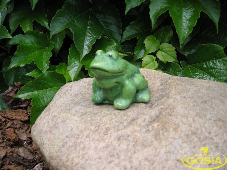 Żabka siedząca mniejsza - figurka ceramiczna ogrodowa