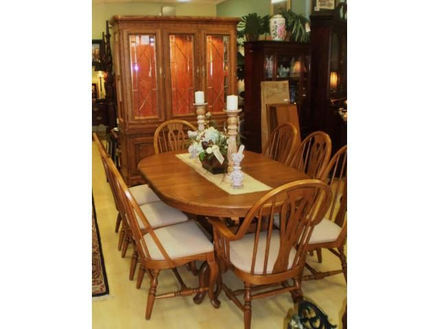 Kitchen Dining Furniture Montgomery It Is Really An Top Quality Richardson Brothers Company Farmhouse Style Oak Trestle Table With 4 Leaves