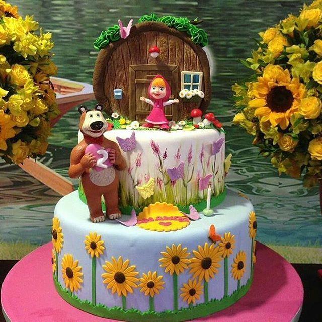 Masha e o Urso! Sempre encantando com seus bolos a super @marciamariacakes  #bolosdecorados #decoratedcakes ...