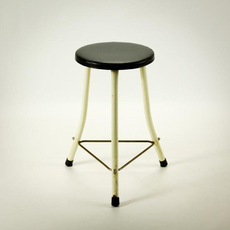 _MG_144650060220S 70's Brabantia kruk wit metaal zwart skai set-2 Design Vintage…
