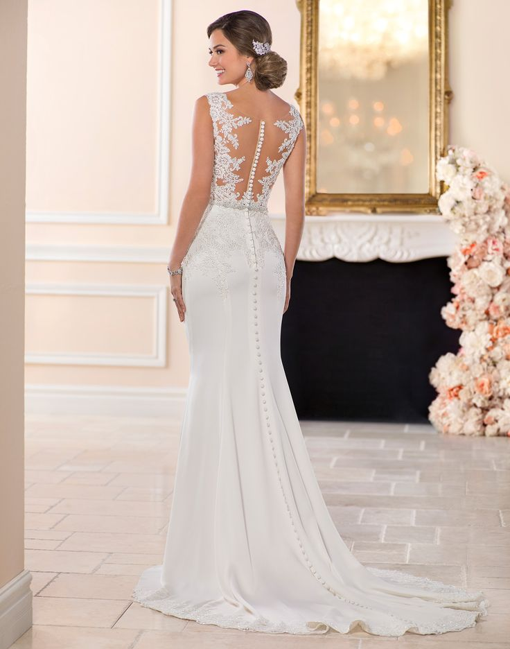 6476 // A little romantic, a little sexy, this lace wedding dress from Stella York is perfect for the elegant bride!