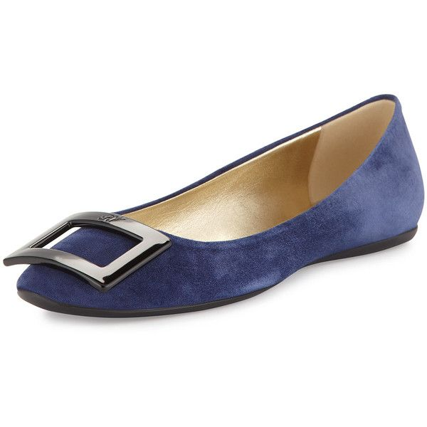 Roger Vivier Gommette Suede Buckle Ballet Flat (1.785 BRL) ❤ liked on Polyvore featuring shoes, flats, navy, flat shoes, navy blue flats, suede flats, navy flats and roger vivier flats
