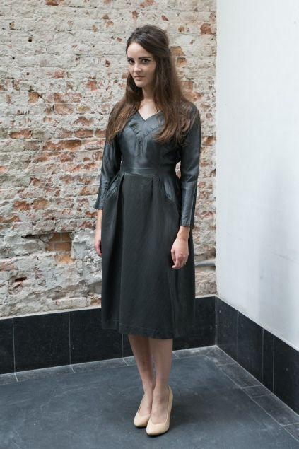 Donker grijze jaren 50 jurk