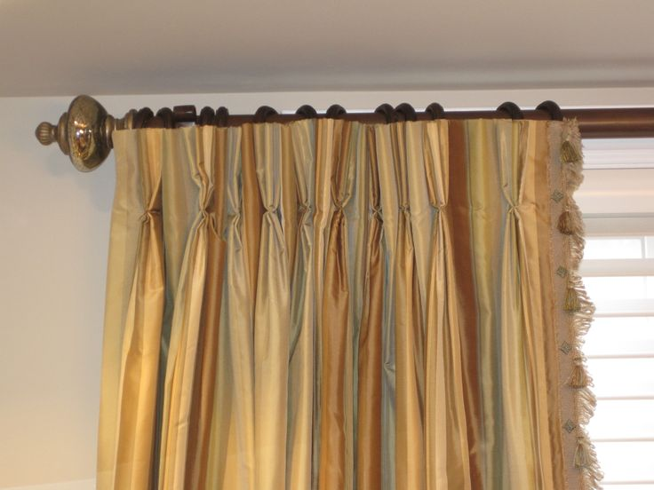 Great hardware with striped silk and edge detail